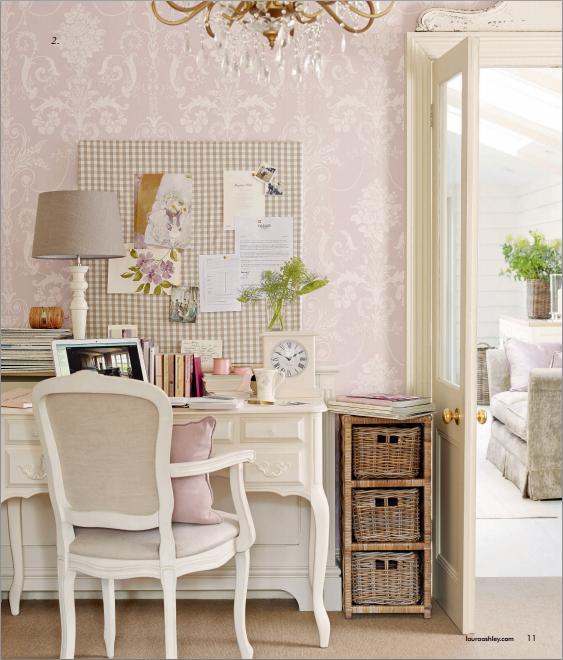 Interior guide natural glamour collection by laura ashley shabby chic mania by grazia maiolino - Angolo studio in camera da letto ...