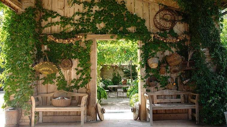 Country style in giardino shabby chic mania by grazia - Giardini country ...