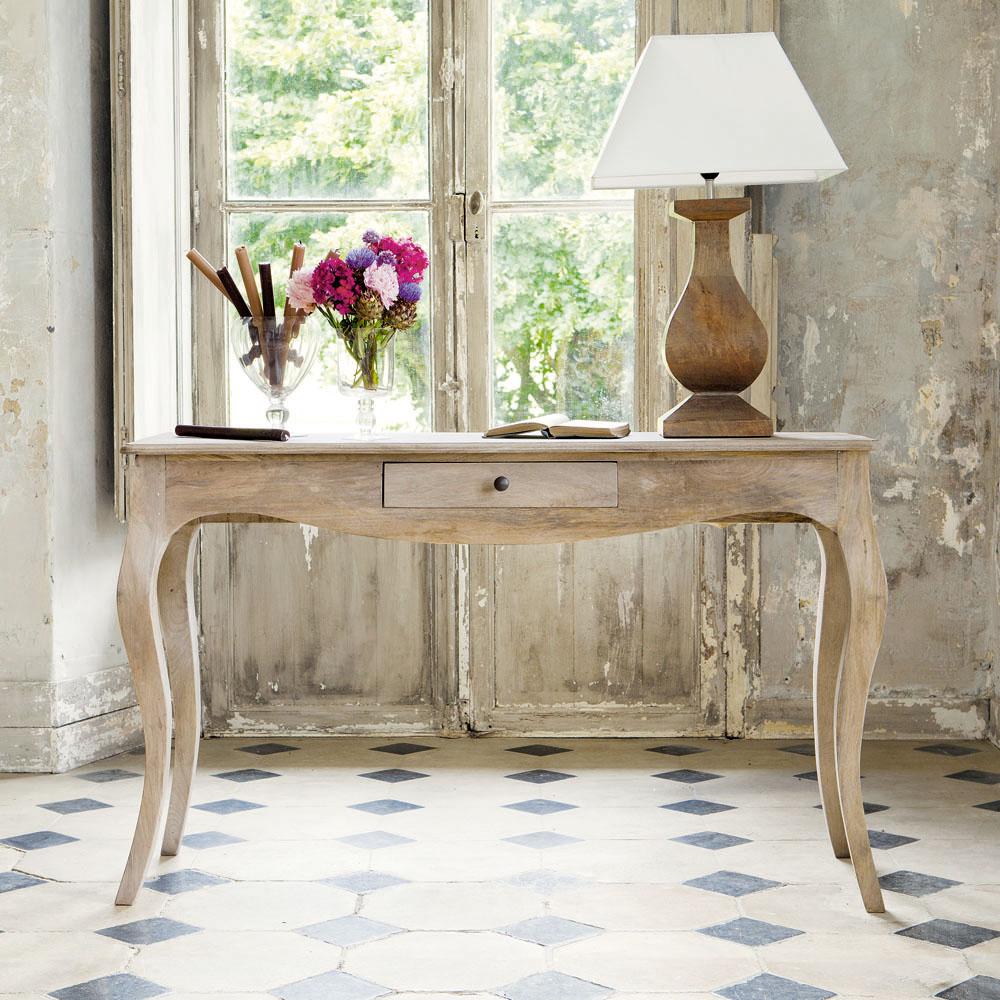 Foto In Copertina E Qui In Basso: Stile Francia Del Sud Anche Per Oak  Console Table Della Linea Provencale Di Laura Ashley