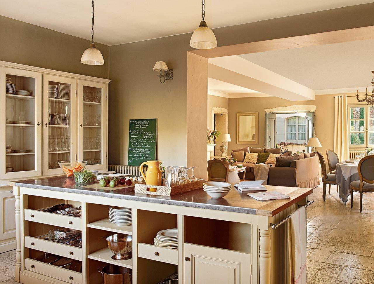 Autunno in provenza la maison de line shabby chic mania for Cocina comedor salon