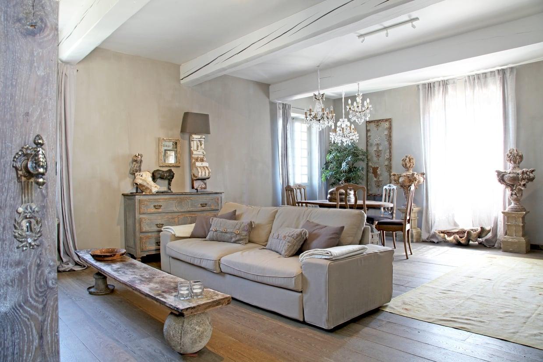 le petit chateau shabby chic mania by grazia maiolino. Black Bedroom Furniture Sets. Home Design Ideas